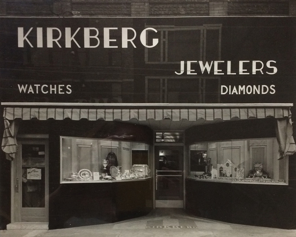 Kirkberg Connections, local store for jewelry, 101 N 27th Street, Forth Dodge, IA 50501